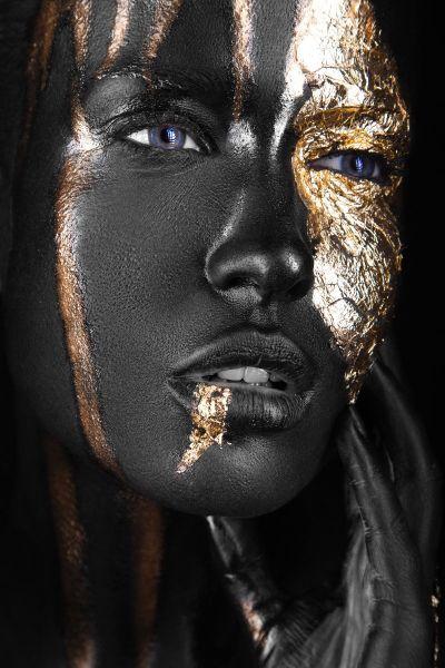 Noir Woman II