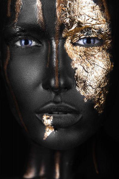 Noir Woman I